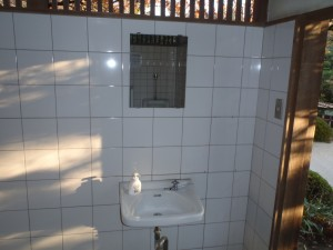 古い洗面台